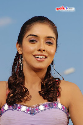 266 x 400 jpeg 33kB, Hotest Celebs: South spicy babe Asin is too busy ...