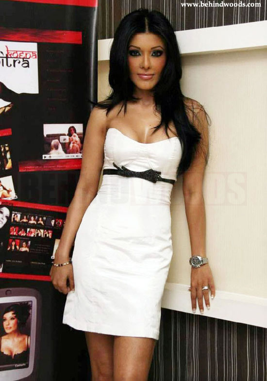 Bollywood Actress Koena Mitra Photo