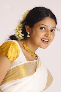 Vandhana Menon Mallu Saree
