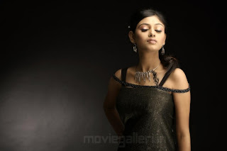 Tamil Oviya Helen Pictures
