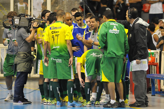 Futsal Brazil Liga Nacional Parana Favillle in the finals after 1 to 1 tie with  Corinthians