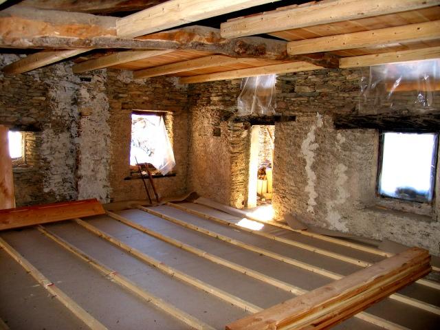 Case in pietra interni uf07 pineglen for Case in legno e pietra