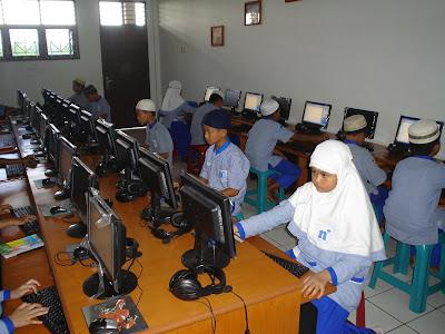 Laboratorium Komputer SDIT Nurul Ilmi Medan