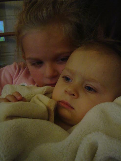 Storesøster passer på lillesøster