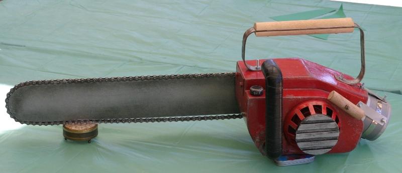 CottonSpool: Evil Dead Replica Chainsaw. It's a Faux-saw!