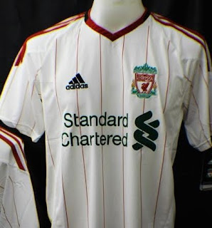 Liverpool new jersey standard chartered