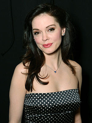Rose Mcgowan follows Geno's World on Twitter