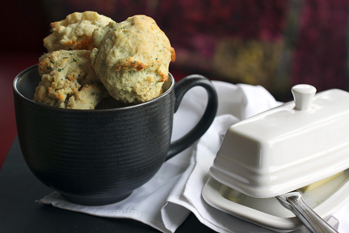 Easy Garlic Cheddar Biscuits Recipe — Dishmaps