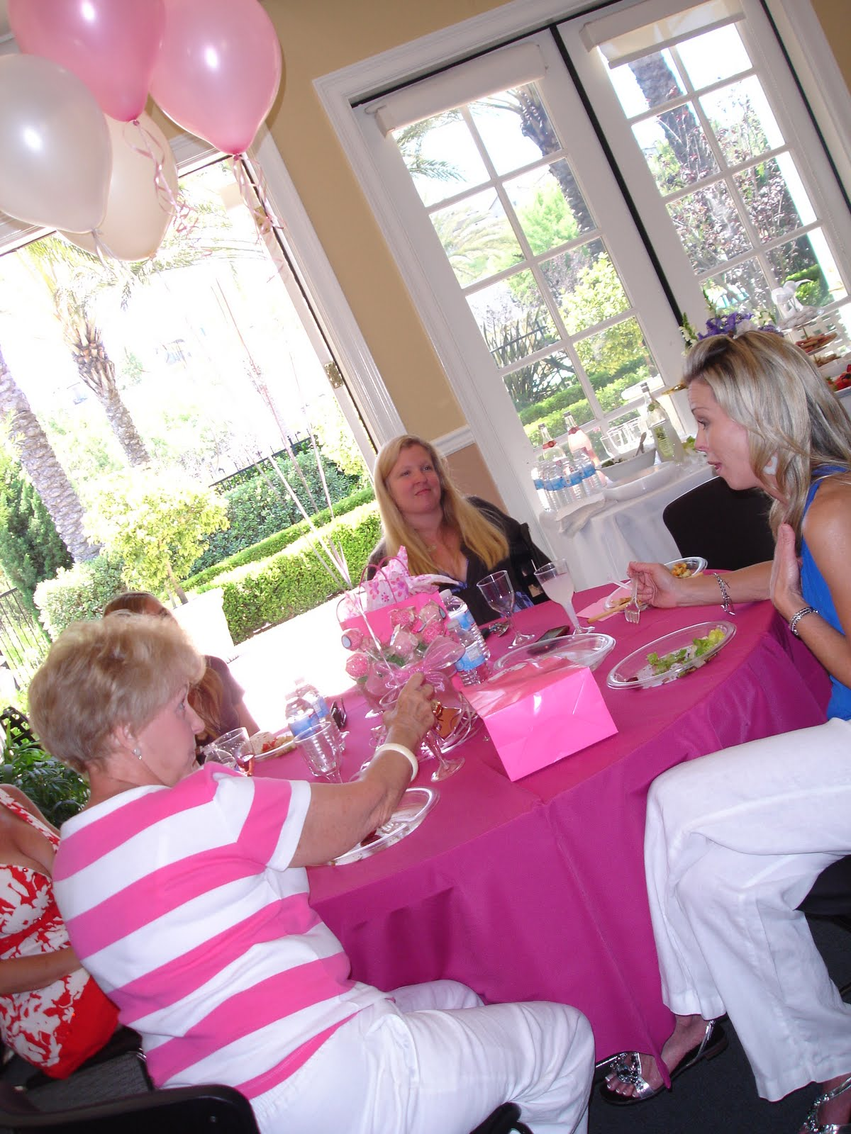 OC Mom Activities: Baby Shower Ideas: Center Pieces & Favors in One!