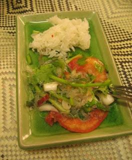 Yam Wun Sen (Spicy Mungbean Noodle Salad)