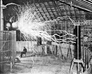 Laboratório de Nikola Tesla aonde se vê arco digno de uma trovoada