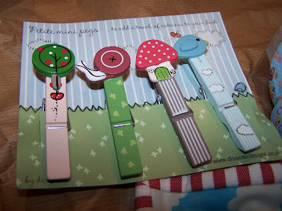 Cute Fashion Outfits on Garden Clothes Pins