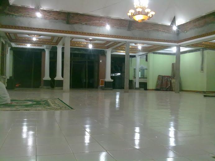 Ruang Sholat masih dalam proses renovasi