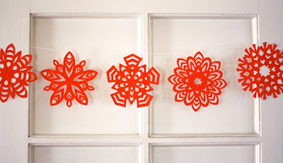 paper crafts: how to cut a paper snowflake