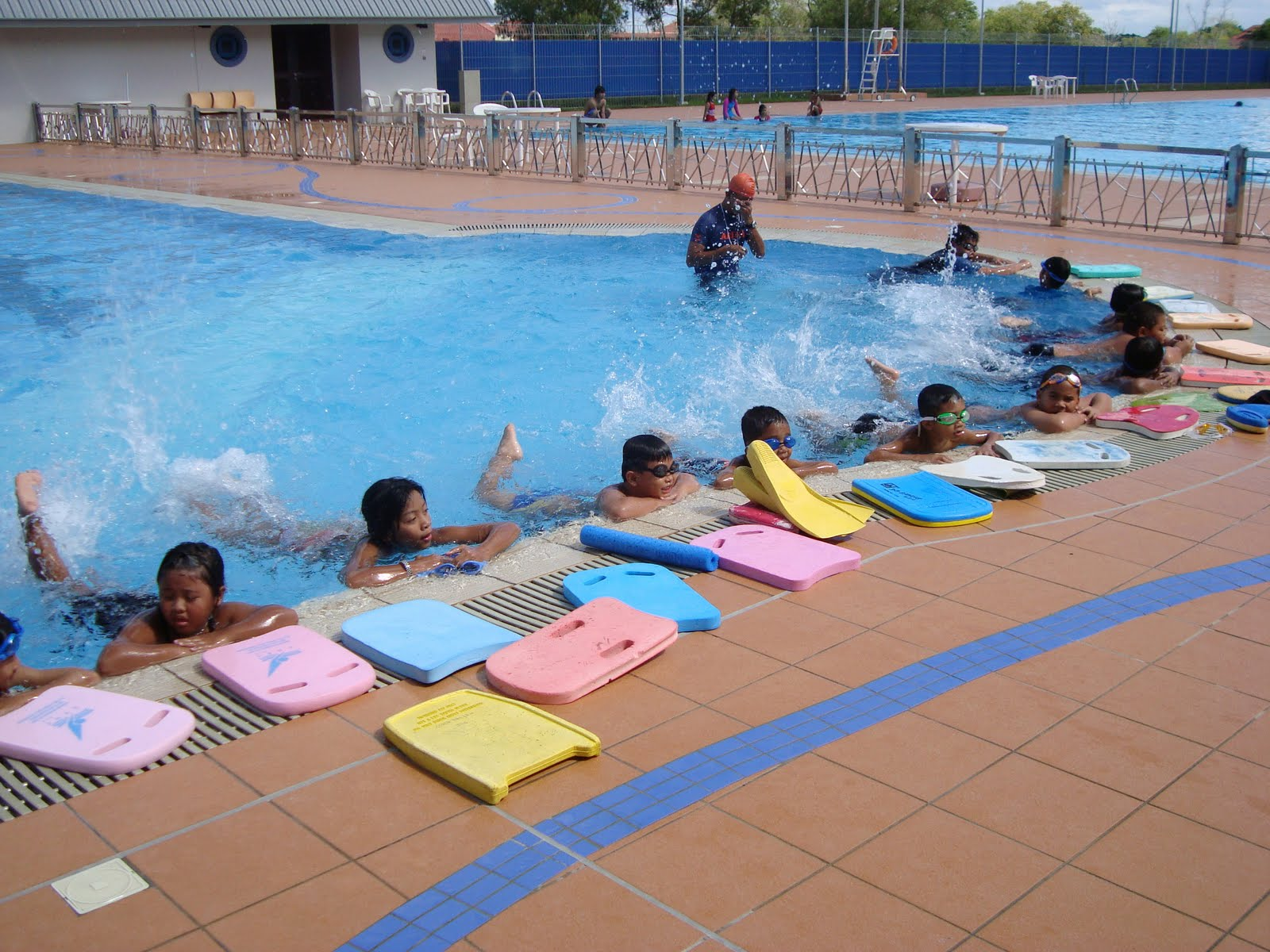 Airil Is In The House Learn To Swim And Lets Enjoy