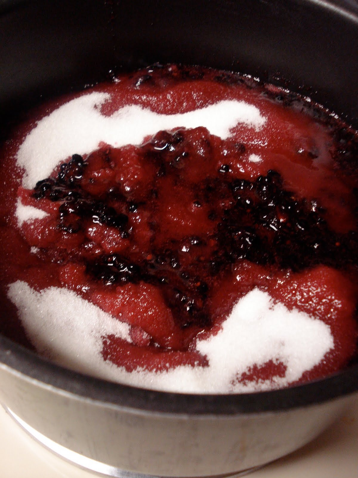 swEEts by e: Blackberry Blueberry Port Jam