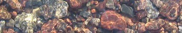 Stenar i vatten