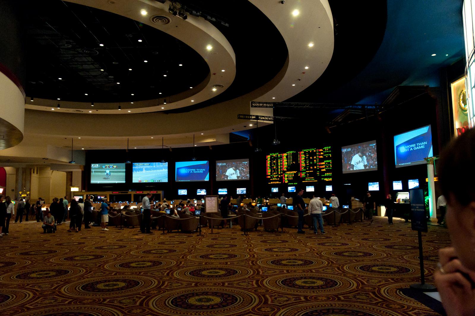 Охрана казино азия бесплатные игровые автоматы 777 без регистрации и смс