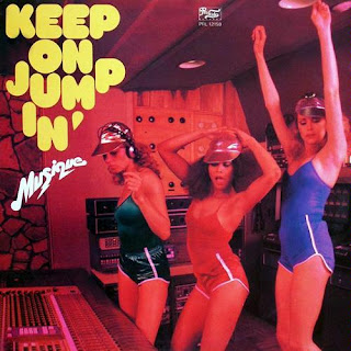 MUSIQUE-KEEP ON JUMPING