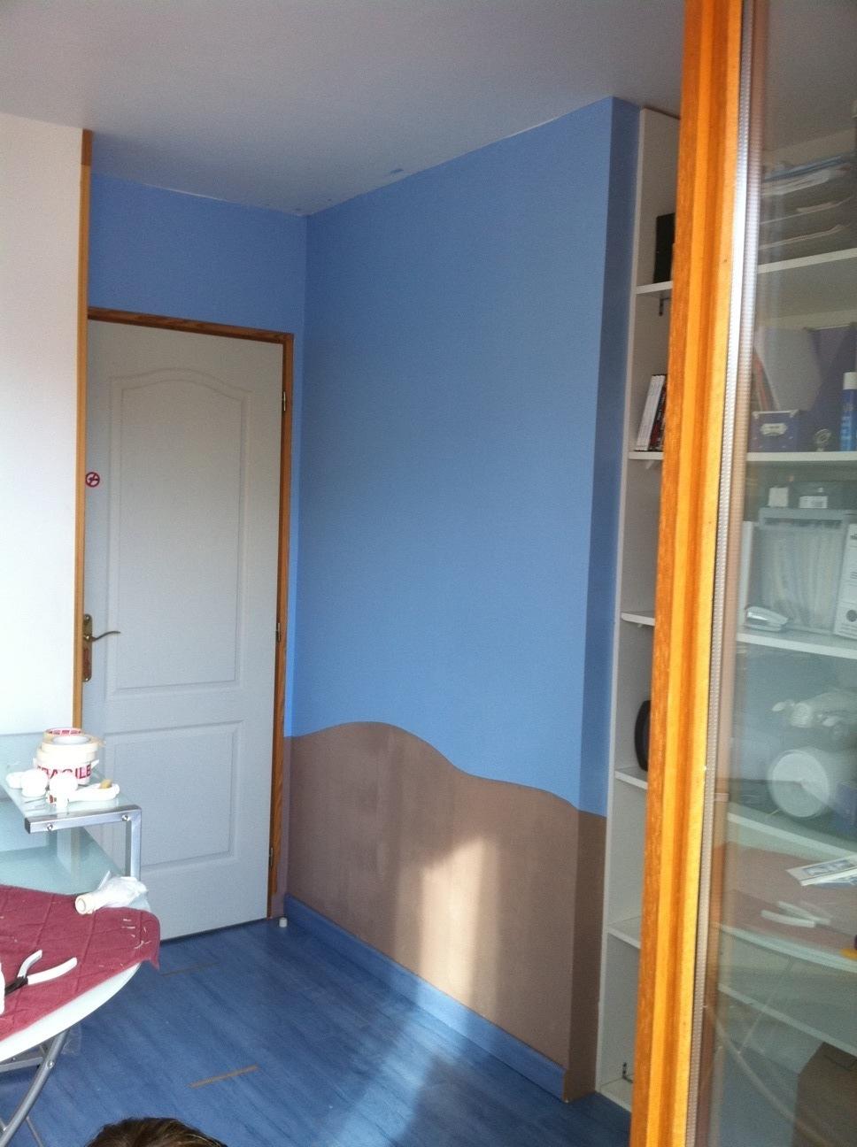 decoration salle de jeux id es et conseils d co decoration salle de jeux les murs de deux. Black Bedroom Furniture Sets. Home Design Ideas