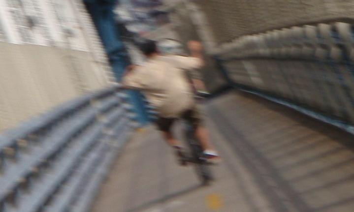 [manhattan+bridge+dancer.JPG]