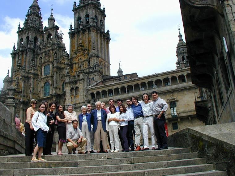 Economistas de AEEADE con el Premio Nobel L.R. Klein y alumnos del Master Internacional
