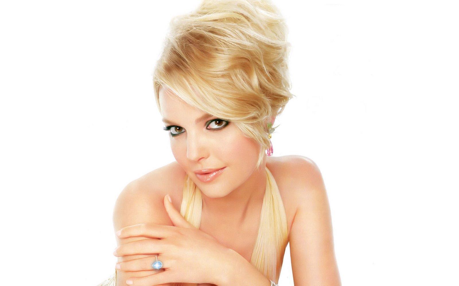 http://3.bp.blogspot.com/_wbwa1vp0yj8/R2_VGX6gJRI/AAAAAAAAAZw/eyp8tvABhHU/s1600/katherine-heigl-beautiful-face-01u.jpg