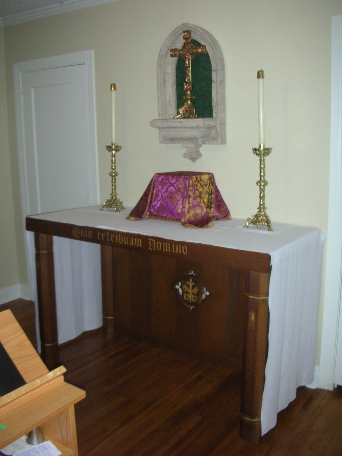 New liturgical movement five things any parish can do to improve sacred space - Home altar designs ...