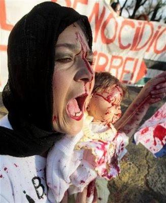 http://3.bp.blogspot.com/_weuSceyB6_M/SWzXZrmO-HI/AAAAAAAAAC8/QTq_1l3smBU/s400/Gaza+6.jpg