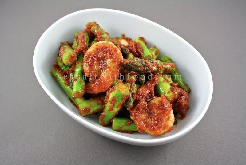 Seasaltwithfood: Asparagus With Sambal Belachan