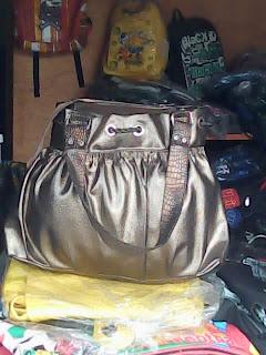 tas wanita krem