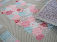 Quilted hexagon bathmat