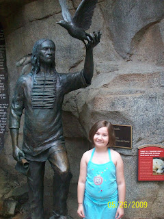 statue memphis zoo