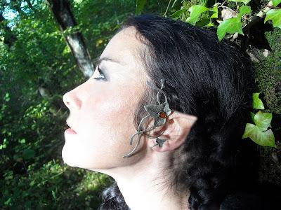 Bijou porté:le Tour d'oreille Cantate