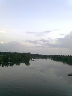 have no words to define this picture- it is really fantastic shot taken from backwaters of alappuzha a beautiful tourist place in kerala where water covers more area than land