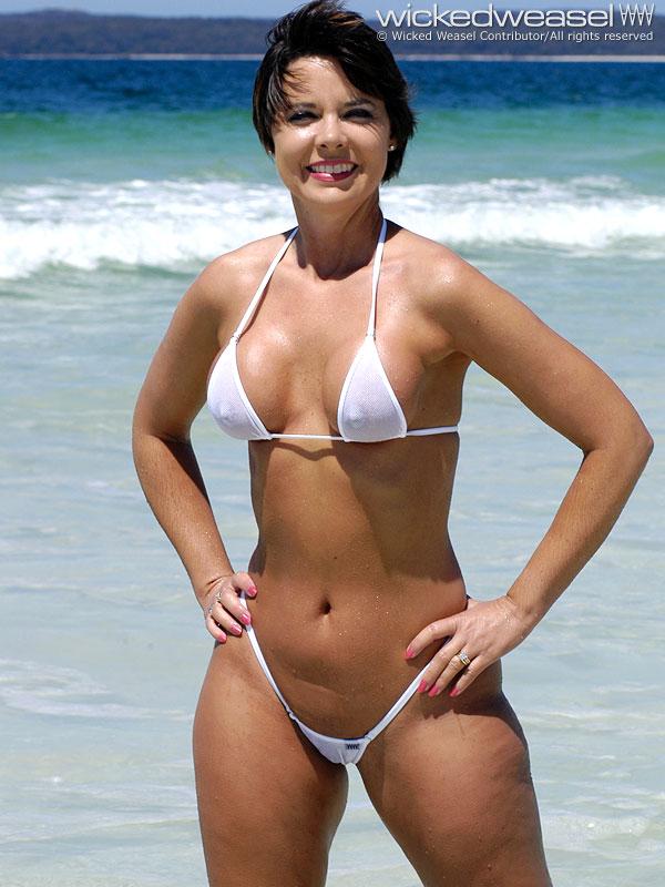 Tranny Bikini images of bollywood activity truly