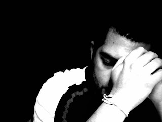hombre+triste+solo