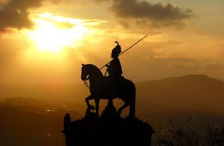 D. Longuinhos a cavalo