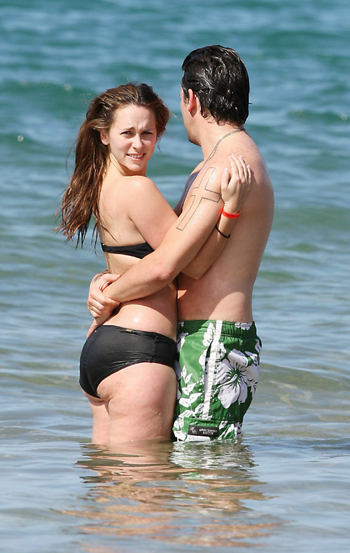 jennifer love hewitt in hawaii