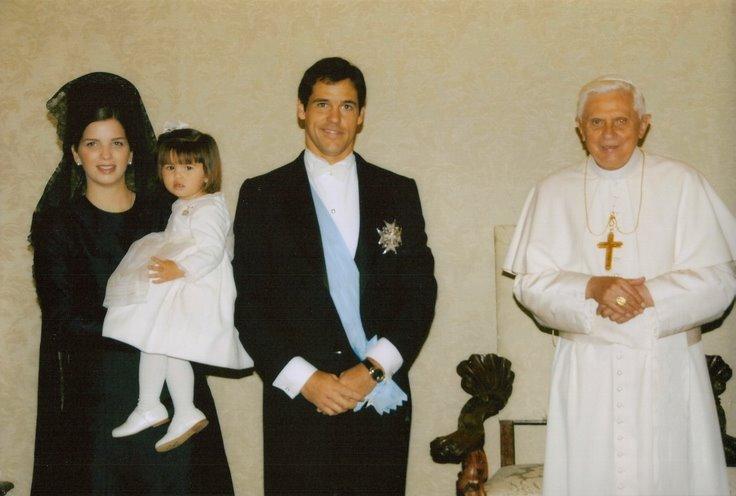 Le trône et l'autel  :  la famille royale de France et le Souverain Pontife