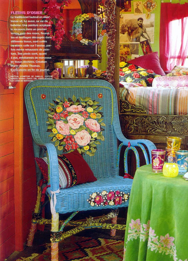 Modern Gypsy Caravans http://heartfireathome.blogspot.com/2010/08/re-visiting-old-obsession-gypsy.html