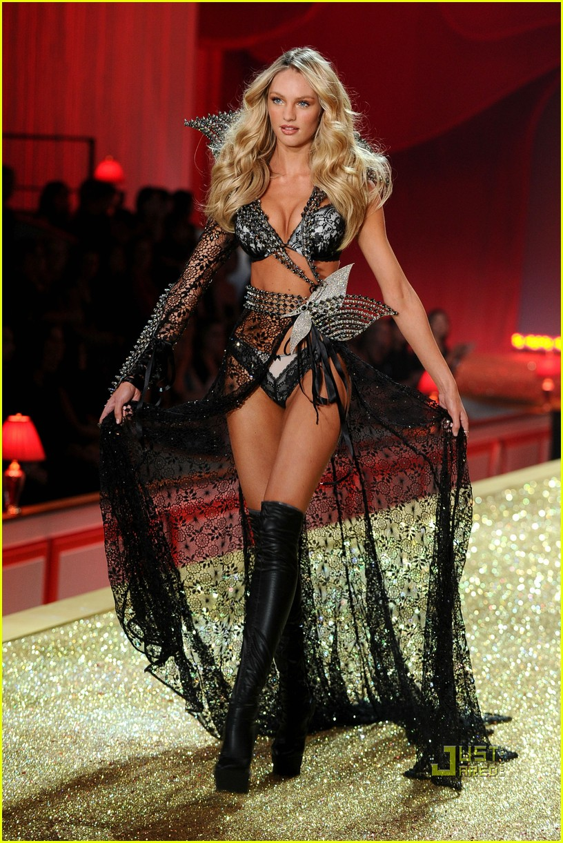 Victorias secret fashion show 2011 - Victoria S Secret Fashion Show 2011