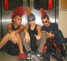 Nacieron Punks, Evolucionaron hacia Cruel Odio