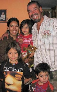 Una Familia Feliz y Unida