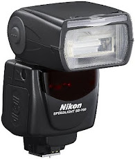 I work with Nikon SB 700