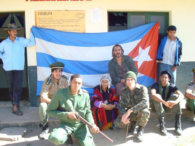 JOHN VAZ E SUA EQUIPE EM LA HIGUERA, BOLIVIA