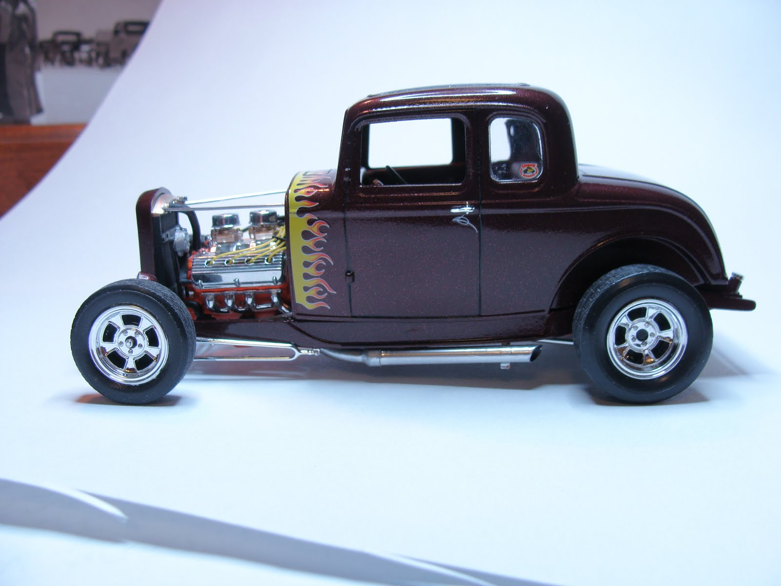 Model Cars: 1932 Ford 5-window coupe High boy - Hot Rod