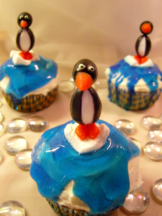 Gefüllte Trauben-Cupcakes mit Frischkäse-Frosting