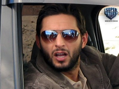 Shahid Afridi Real Life Family Photos