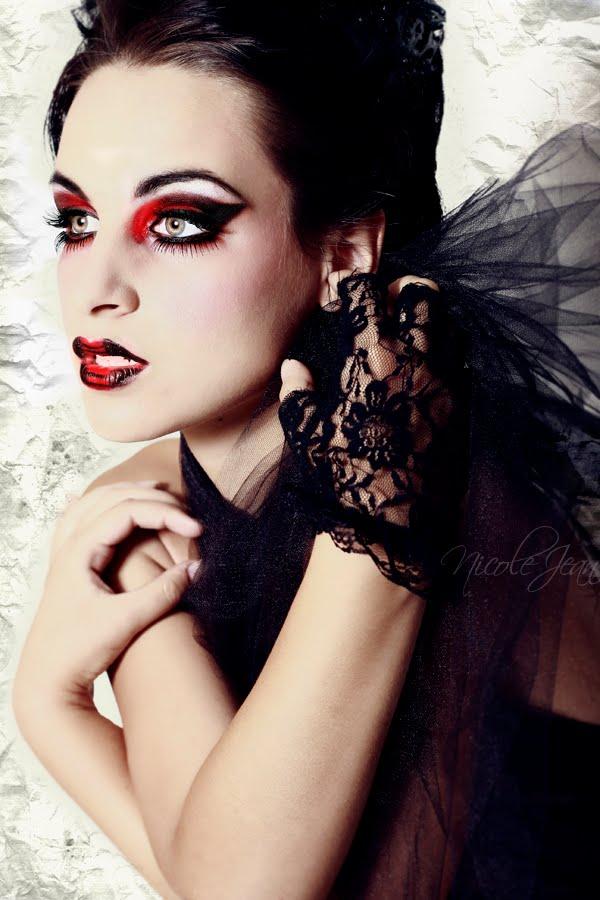 Madame Macabre Ideas Para Un Maquillaje Gotico En Tonos Gothic Angel Halloween